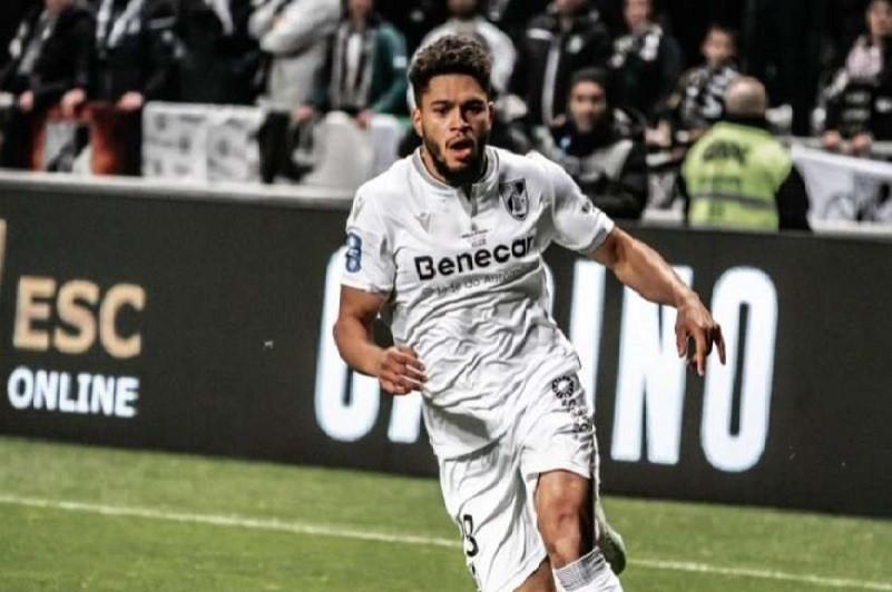 Vitória de Guimarães assegura Dénis Poha a título definitivo até 2024