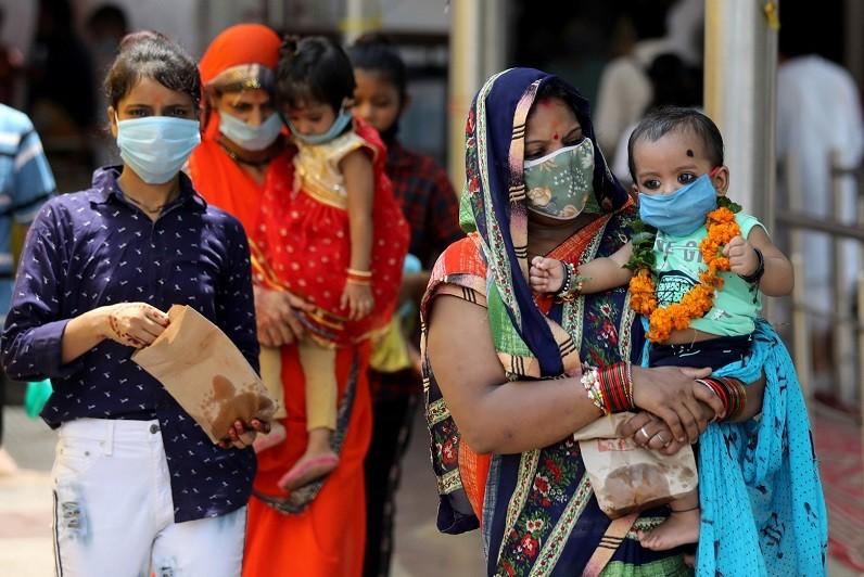 Covid-19: Índia com mais de mil mortos nas últimas 24 horas, novo máximo diário