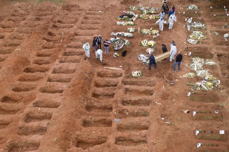 Covid-19: Brasil regista 1.274 mortos e 52.160 casos nas últimas 24 horas