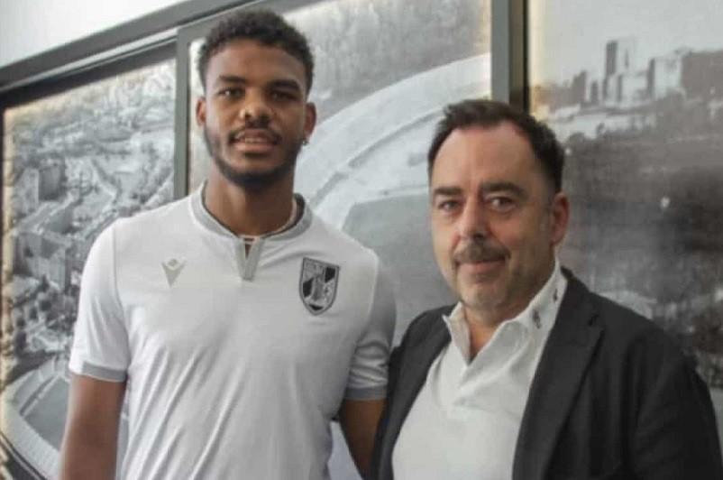 Vitória de Guimarães contrata avançado Lyle Foster ao Mónaco por 1,2 ME