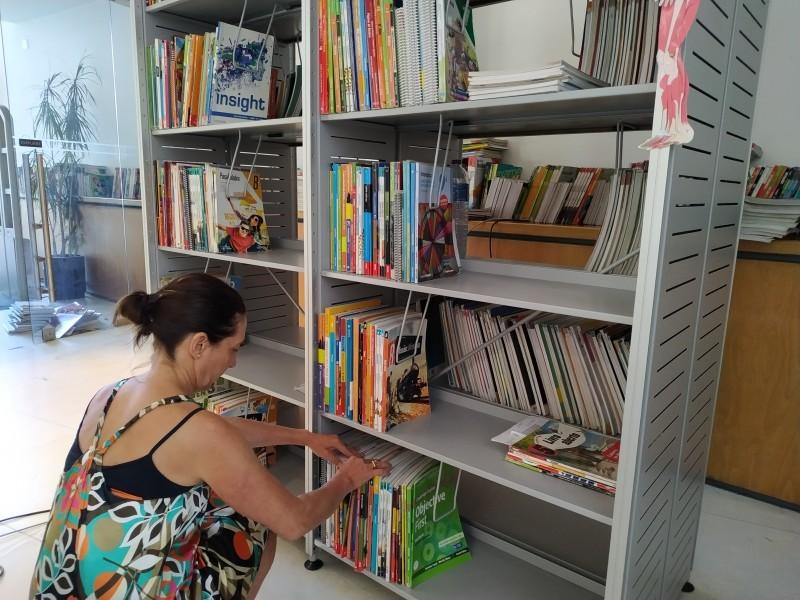 Livros gratuitos travam procura na Bolsa Solidária