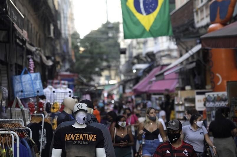 Covid-19: Brasil soma 1.054 mortes e 30.355 casos nas últimas 24 horas