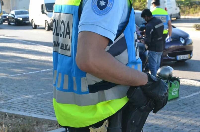 Homem suspeito de assalto a posto de combústível com arma branca detido em braga