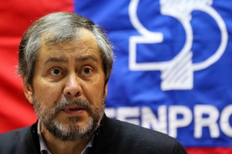 Fenprof defende diminuição de turmas e testes obrigatórios