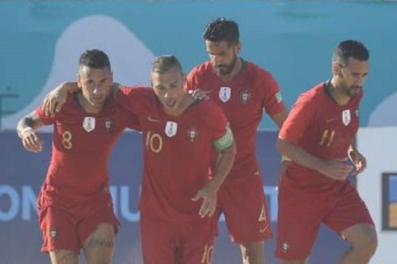 Portugal revalida título europeu de futebol de praia a vencer a Suíça por 5-4
