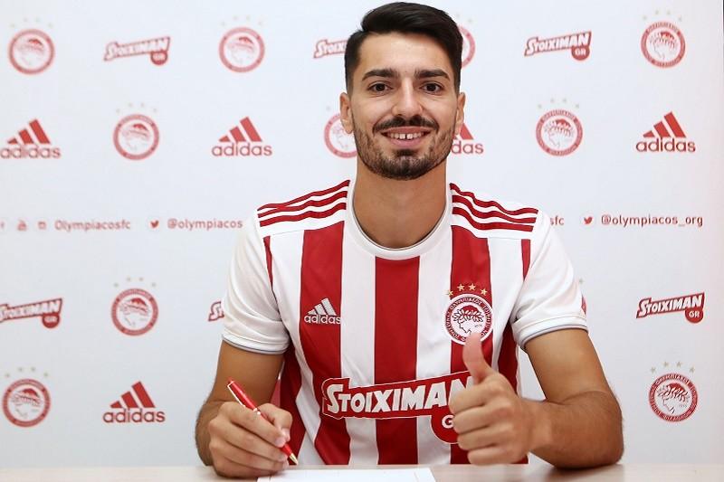 Pêpê Rodrigues transfere-se do Vitória de Guimarães para o Olympiacos