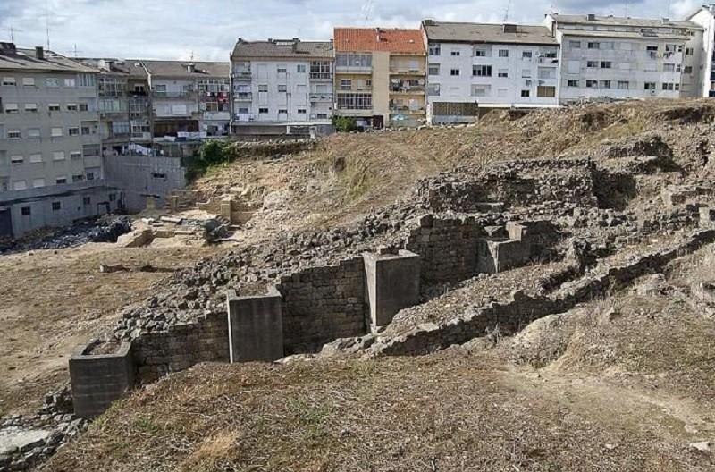 Companhia de Teatro de Braga devolve vida às ruínas do teatro romano