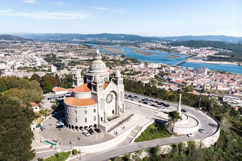 Viana do Castelo reduz IMI e apoia famílias numerosas