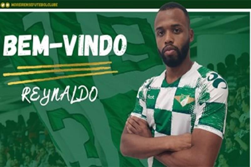 Defesa-central Reynaldo assina pelo Moreirense por quatro épocas