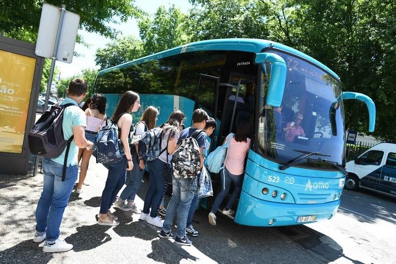 Câmara de Famalicão acusa empresa de incumprimento nos transportes escolares