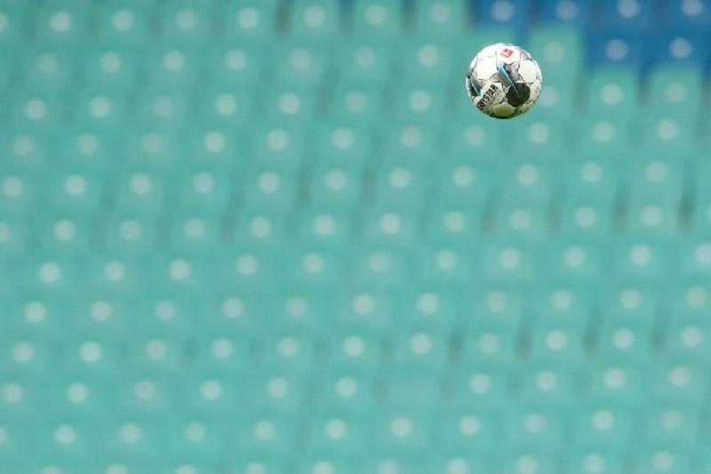 Covid-19: Adeptos separados por cinco lugares no primeiro jogo com público da I Liga