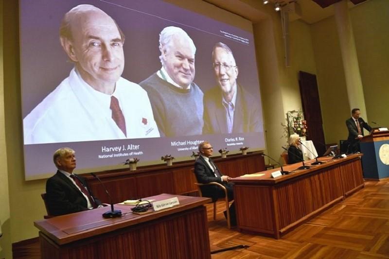 Prémio Nobel da Medicina atribuído aos autores da descoberta do vírus da Hepatite C
