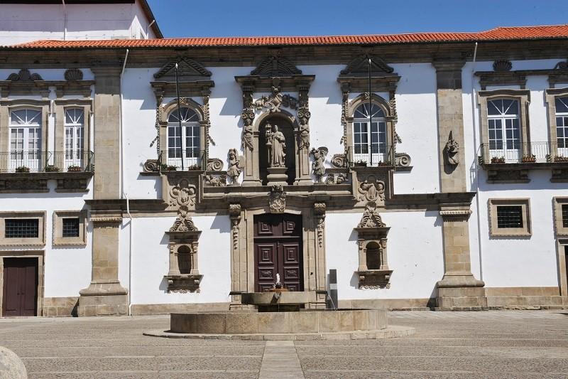 Covid-19: Espetáculos em Guimarães só com parecer vinculativo da Autoridade de Saúde