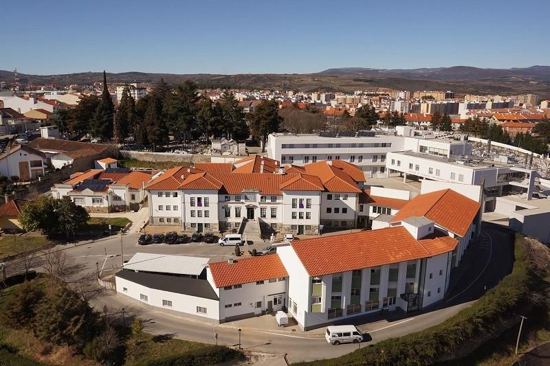 Covid-19: Nona vítima mortal na Misericórdia de Bragança é uma mulher de 93 anos