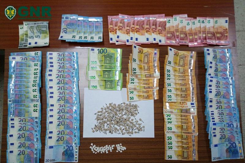 Vizela: GNR deteve homem por tráfico de droga em flagrante delito