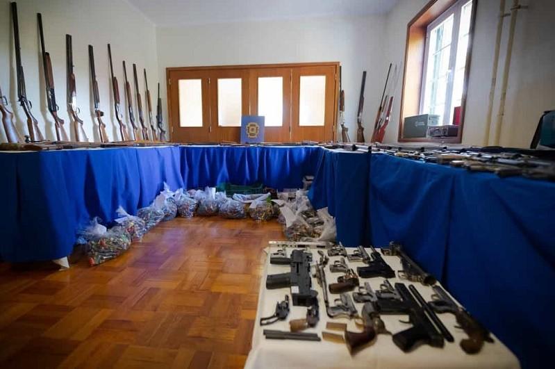 Prisão preventiva para seis detidos na megaoperação da PJ contra tráfico de armas