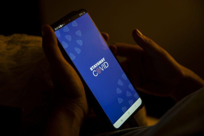 Covid-19: Uso obrigatório de 'apps' de rastreio contraria OMS e Comissão Europeia