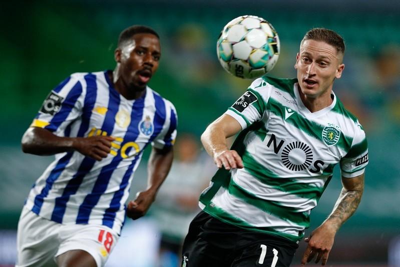 Sporting e FC Porto empatam a dois golos em Alvalade