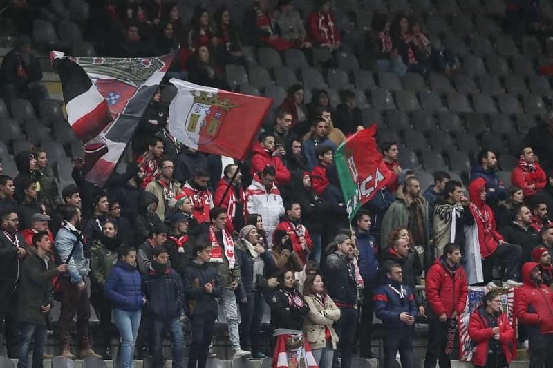 Covid-19: Sócios do Braga têm que preencher boletim epidemiológico para jogo com o AEK