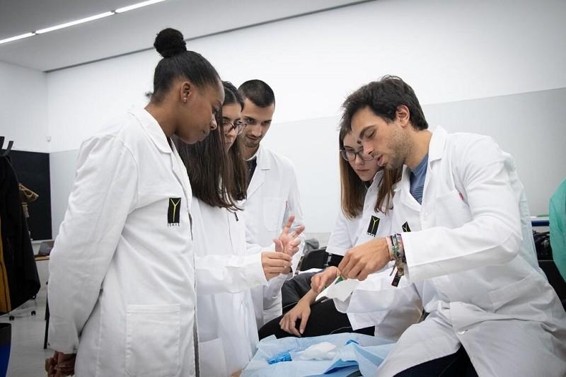 Covid-19: Administradores hospitalares criticam reforço de equipas de saúde pública com alunos de enfermagem
