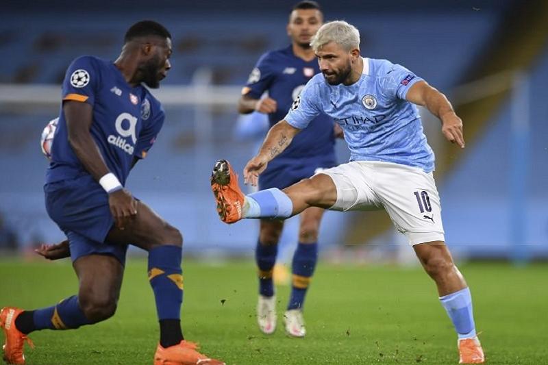 LC: FC Porto estreia-se com derrota em Manchester