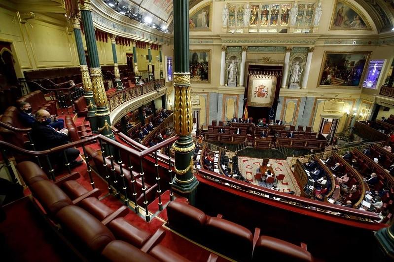 Parlamento espanhol rejeita moção de censura apresentada pela extrema-direita