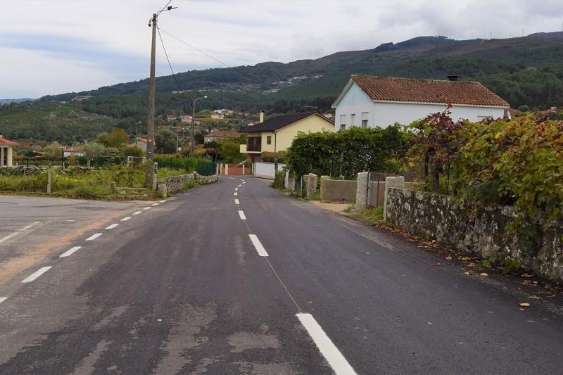 Monção: Concluída beneficiação da estrada municipal entre Castrelo e Fornelos