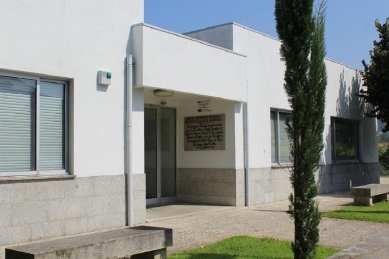 Covid-19: Utente de centro social de Vizela positivo após casos em funcionários