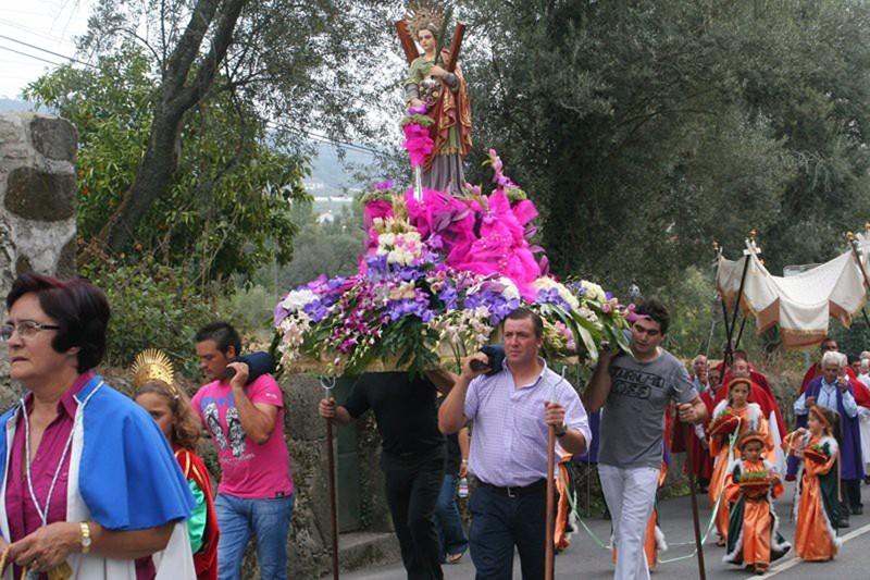 Crespos mantém tradição da Festa de Santa Eulália