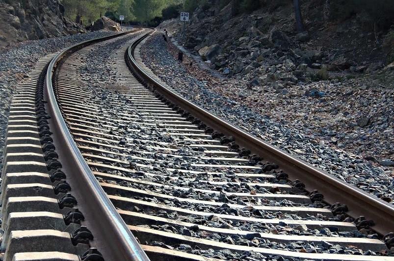 Linha ferroviária do Norte em Coimbra reaberta à circulação após acidente