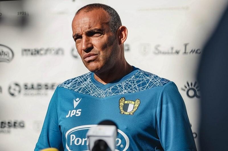 Treinador do Famalicão antevê tarefa muito complexa para duelo com Sporting de Braga