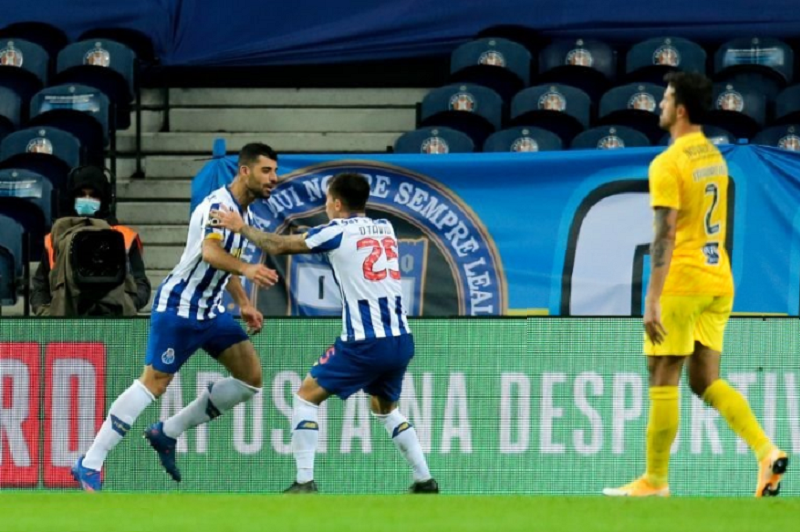 FC Porto dá a volta ao resultado e vence Portimonense