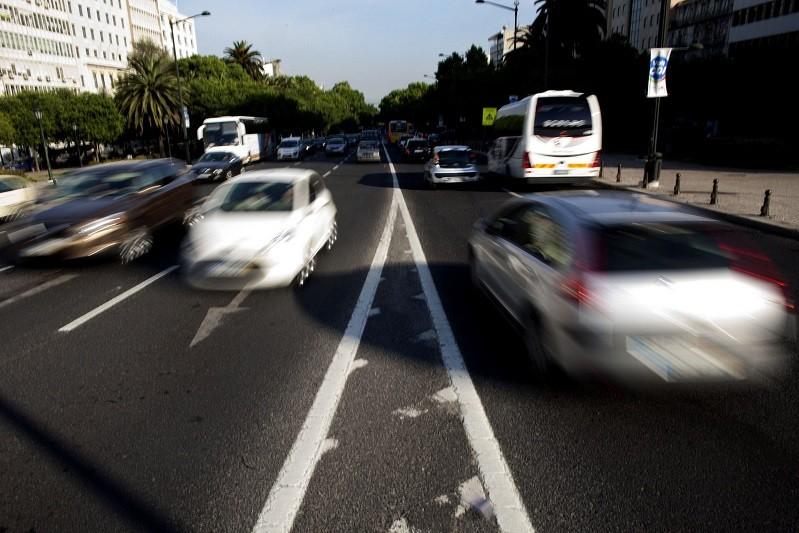 Covid-19: Qualidade do ar aumentou no confinamento devido à redução do tráfego - Especialistas
