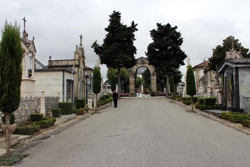 BRAGA: Cemitério fechado sábado e domingo à tarde
