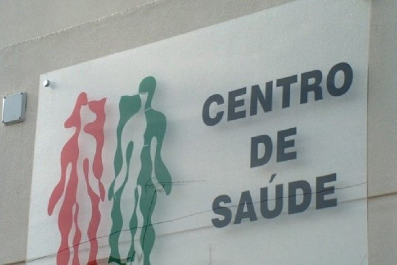 Covid-19: Ordem dos Médicos alerta governo para 'problemas graves' nos centros de saúde