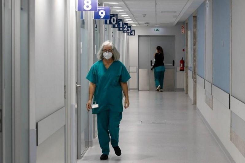 Covid-19: Hospital S. José recebeu quatro doentes da região Norte que precisam de ECMO
