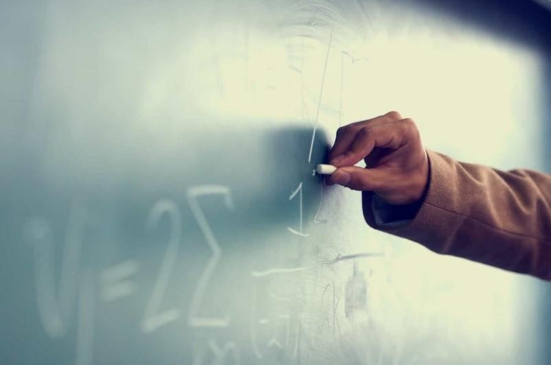 Covid-19: Um em cada quatro professores pertencem a grupos de risco  Sindicato