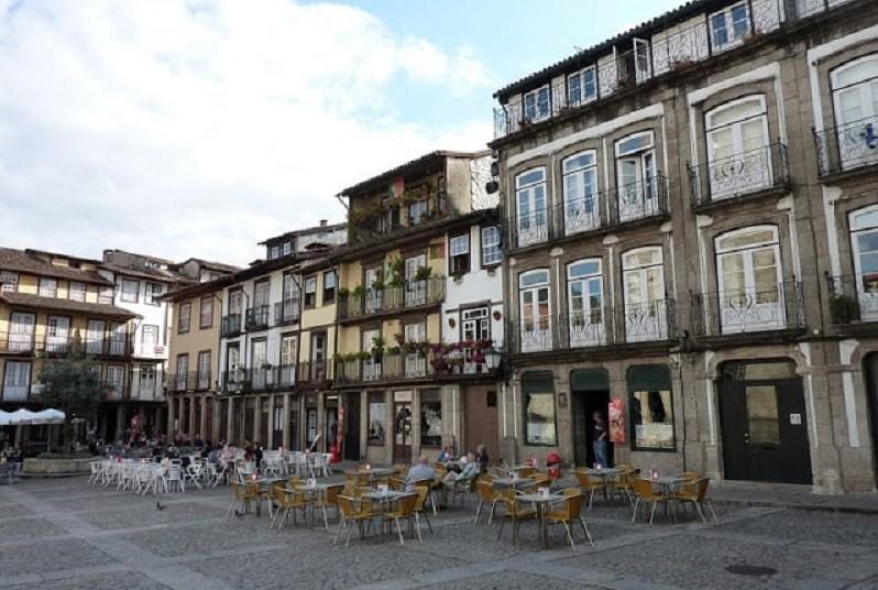 Guimarães cria aplicação para aproximar população do comércio tradicional