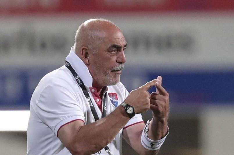 Morreu o treinador Vítor Oliveira aos 67 anos