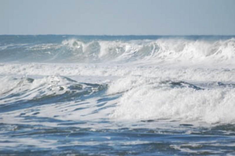 Mau tempo: Aviso amarelo para 10 distritos devido à agitação marítima - IPMA