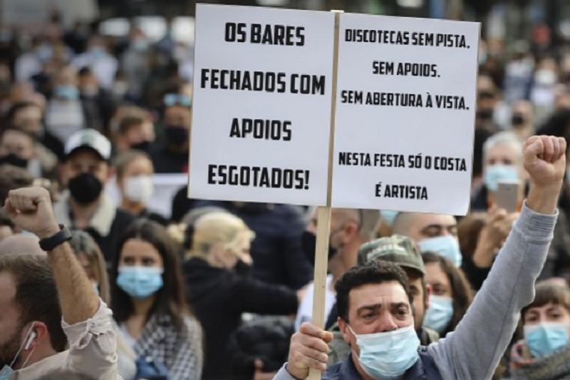 Covid-19: Empresários da restauração iniciam vigília por tempo indeterminado no Porto