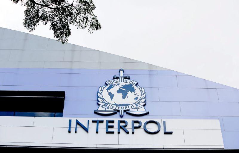 Covid-19: Interpol alerta países para ameaça do crime organizado ligado às vacinas