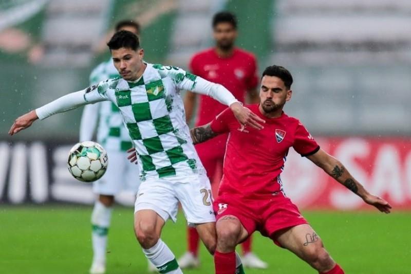 Moreirense e Gil Vicente empatam em jogo com autogolo do guarda-redes Denis