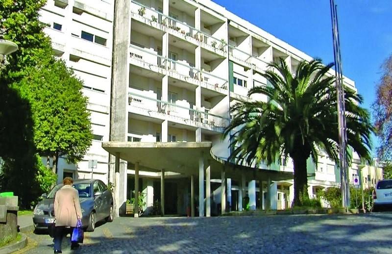 Surto no Hospital de Barcelos com sete profissionais e 10 doentes infetados com Covid-19