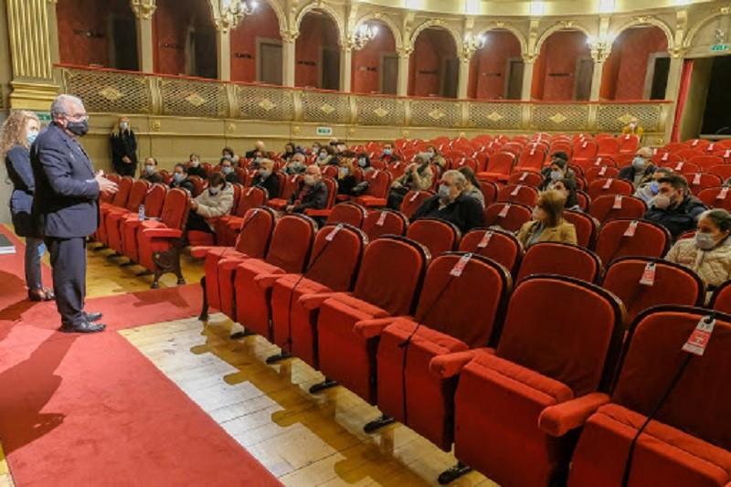 Câmara de Viana do Castelo entrega 1.879 lembranças de Natal a utentes de instituições