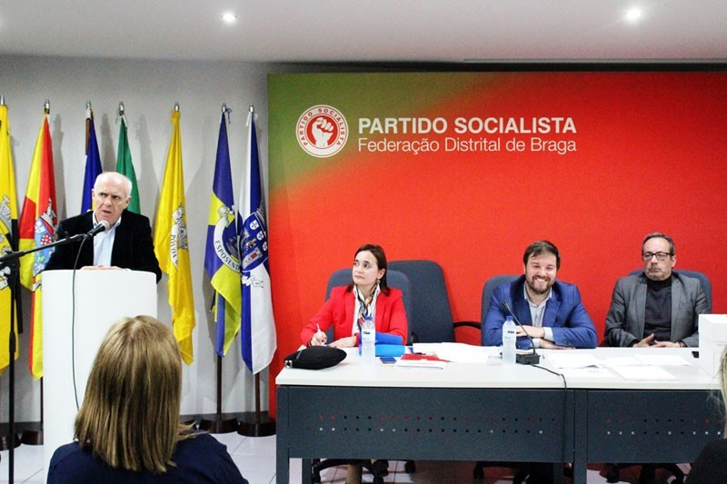 Distrital socialista aprova plano de acção