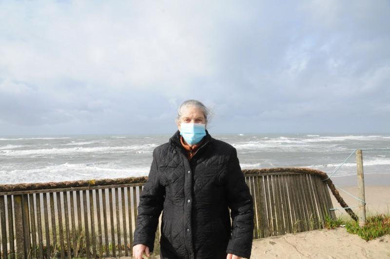Avanço do mar não assusta alguns moradores da Praia de Cedovém, em Apúlia