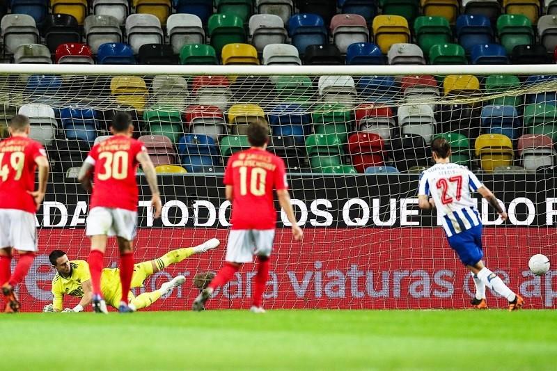 FC Porto bate Benfica e conquista 22.ª Supertaça