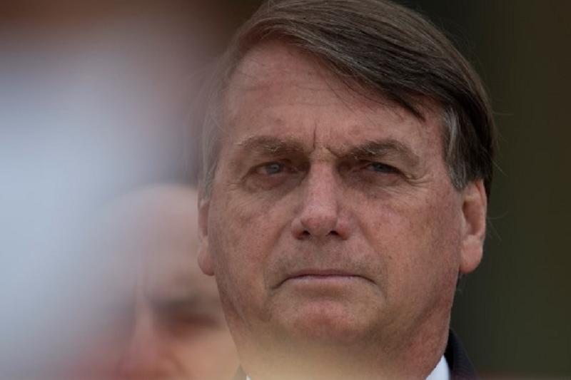 Bolsonaro diz que a melhor vacina contra a covid-19 é o próprio vírus