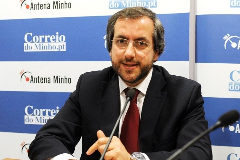 Agere mantém tarifário para 2021, mas imposto do Estado aumenta factura